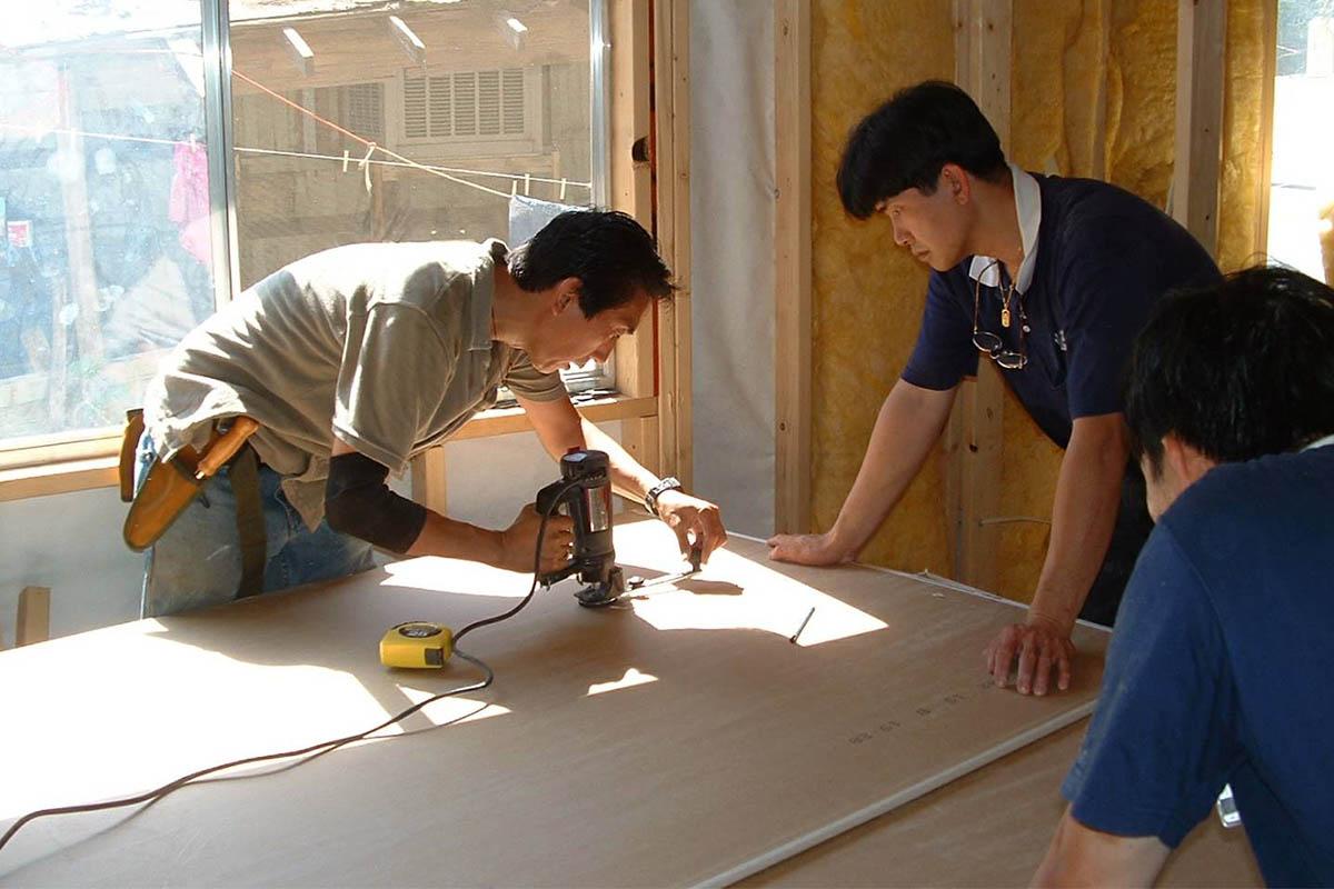 志工動員,10個月內為老奶奶一家建好一個安全穩固的家。照片提供/慈濟鳳凰城聯絡處