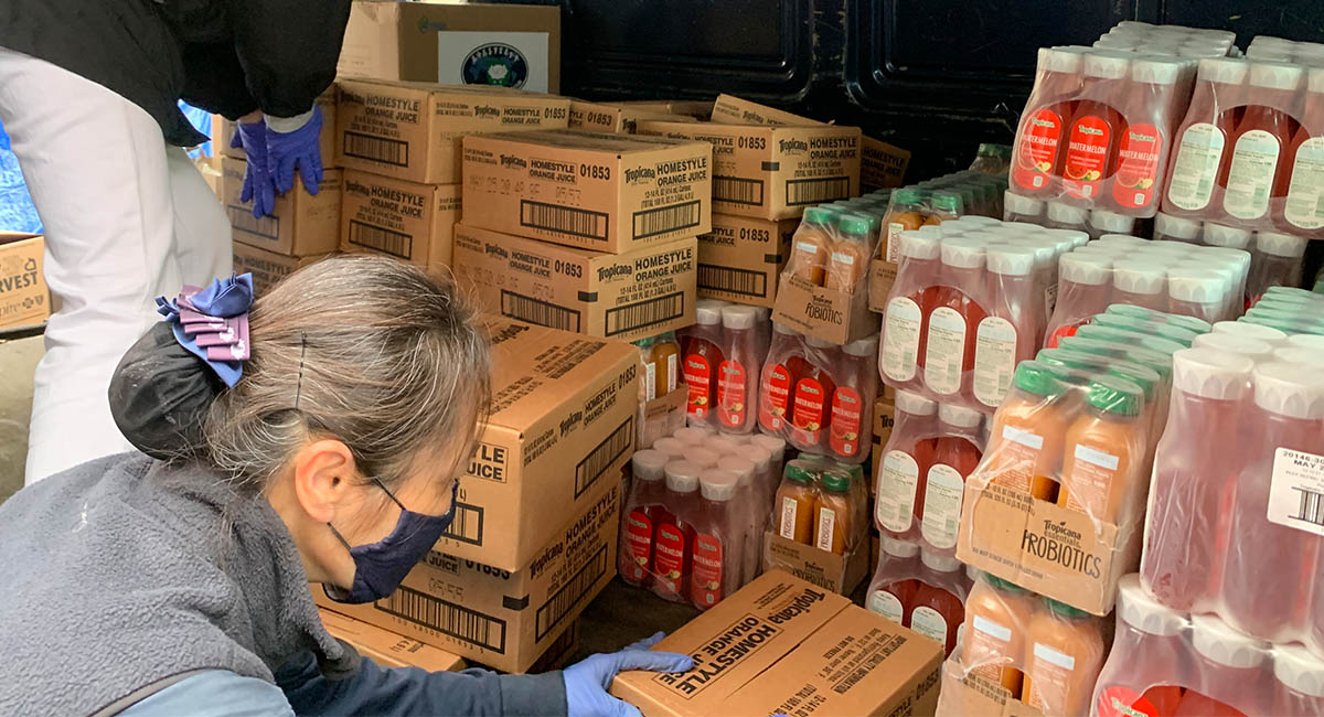 TzuchiUSA_ny-grocery-distribution-slide_0001_IMG_1831 - 20200523 grocery distribution food bag preparations in Flushing