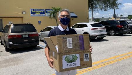 邁阿密慈濟助遊民 先送口罩再發熱食