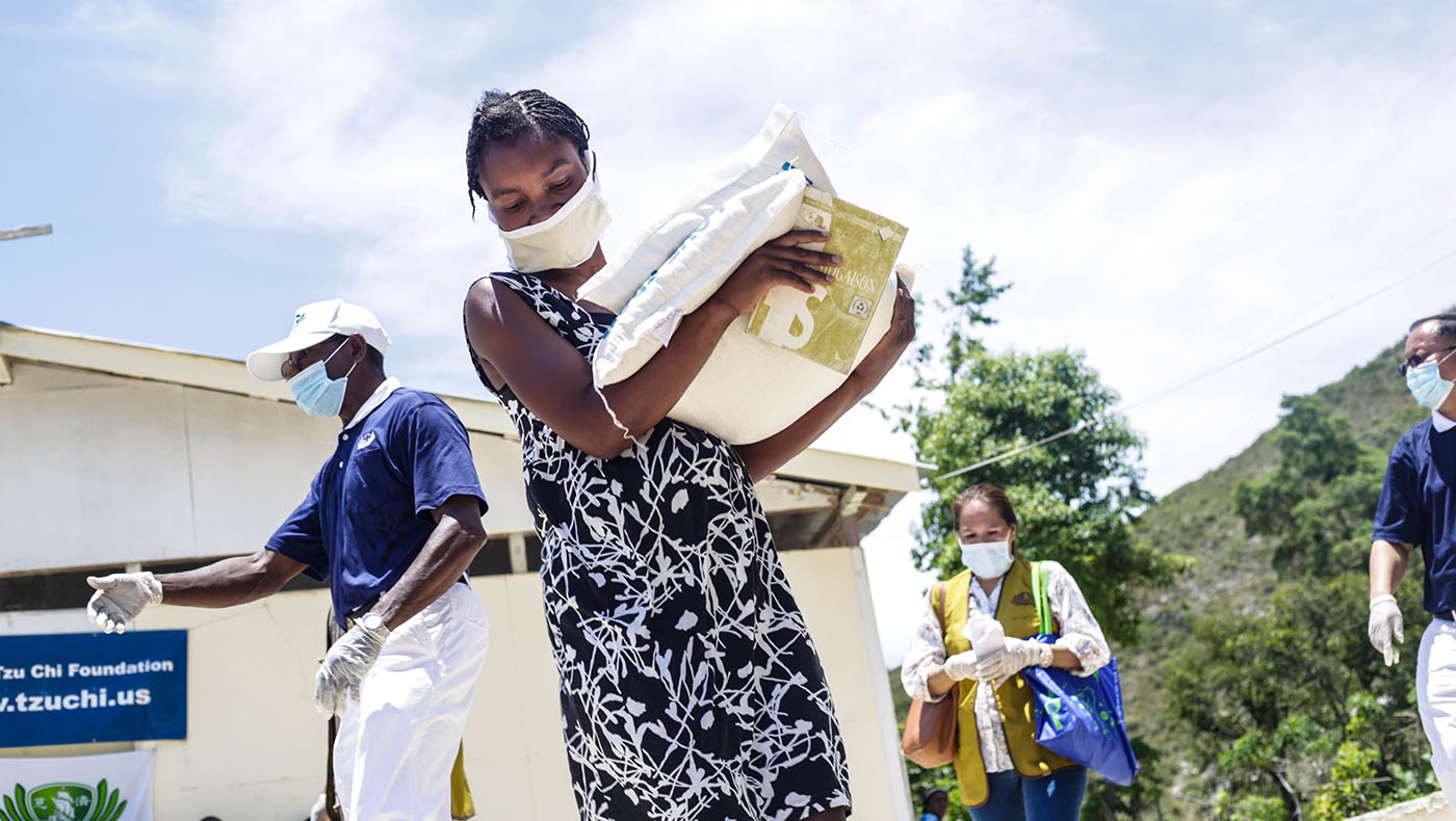 TzuchiUSA-haiti-Distribution in Duval_0004__MG_840607062020_Rice Distribution at Duval_ Petion ville Haiti