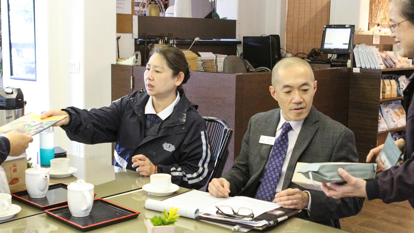 Tzu Chi volunteer, Wenli Tseng (left), and Dr. Koji Uesugi, the Dean of Mt. SAC Student Services (right), meet to discuss future programs with Tzu Chi USA's National Headquarters. Photo by Michael Tseng.