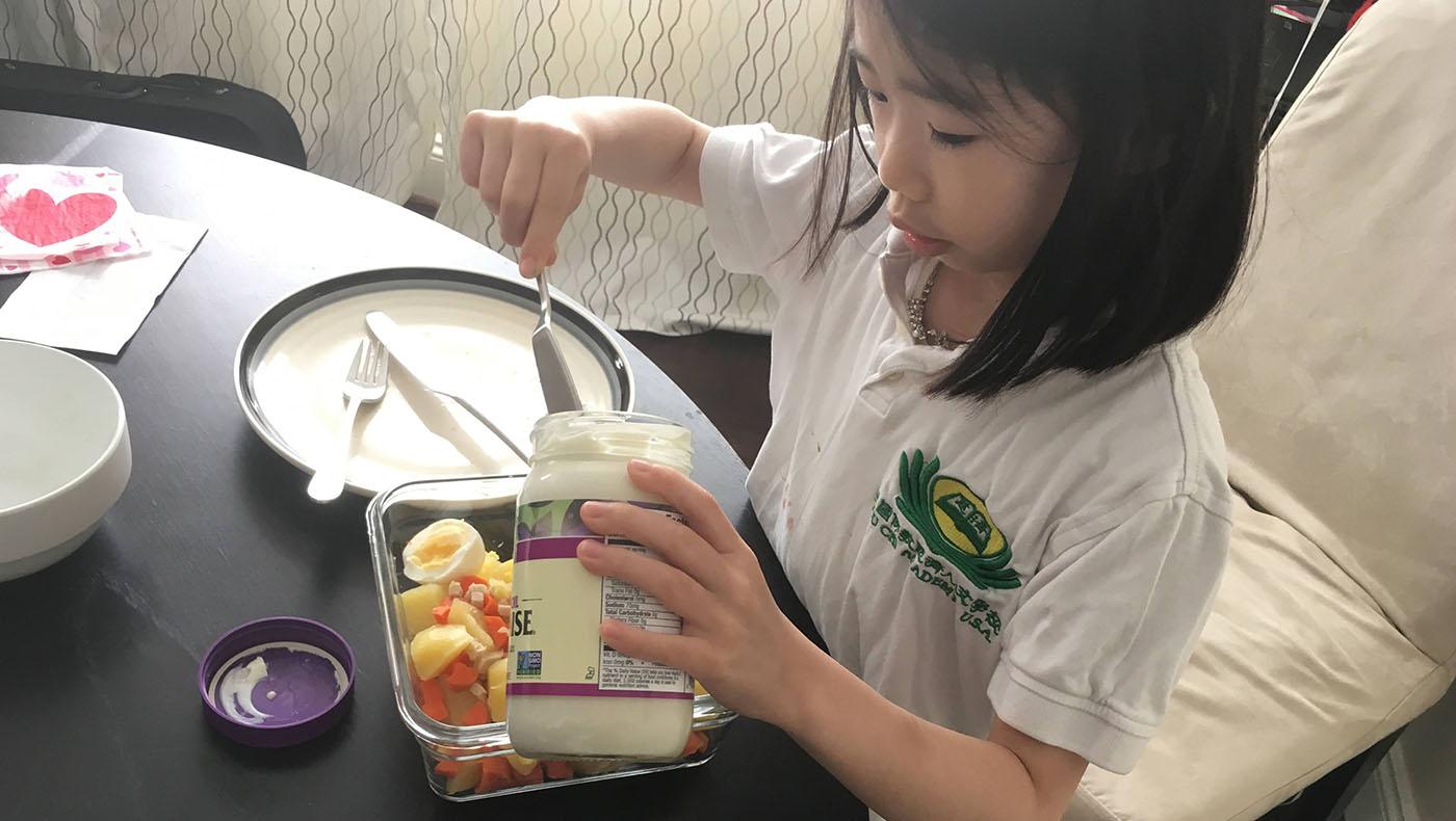 王亭文手做下午茶三明治。图片来源/华府慈济分会