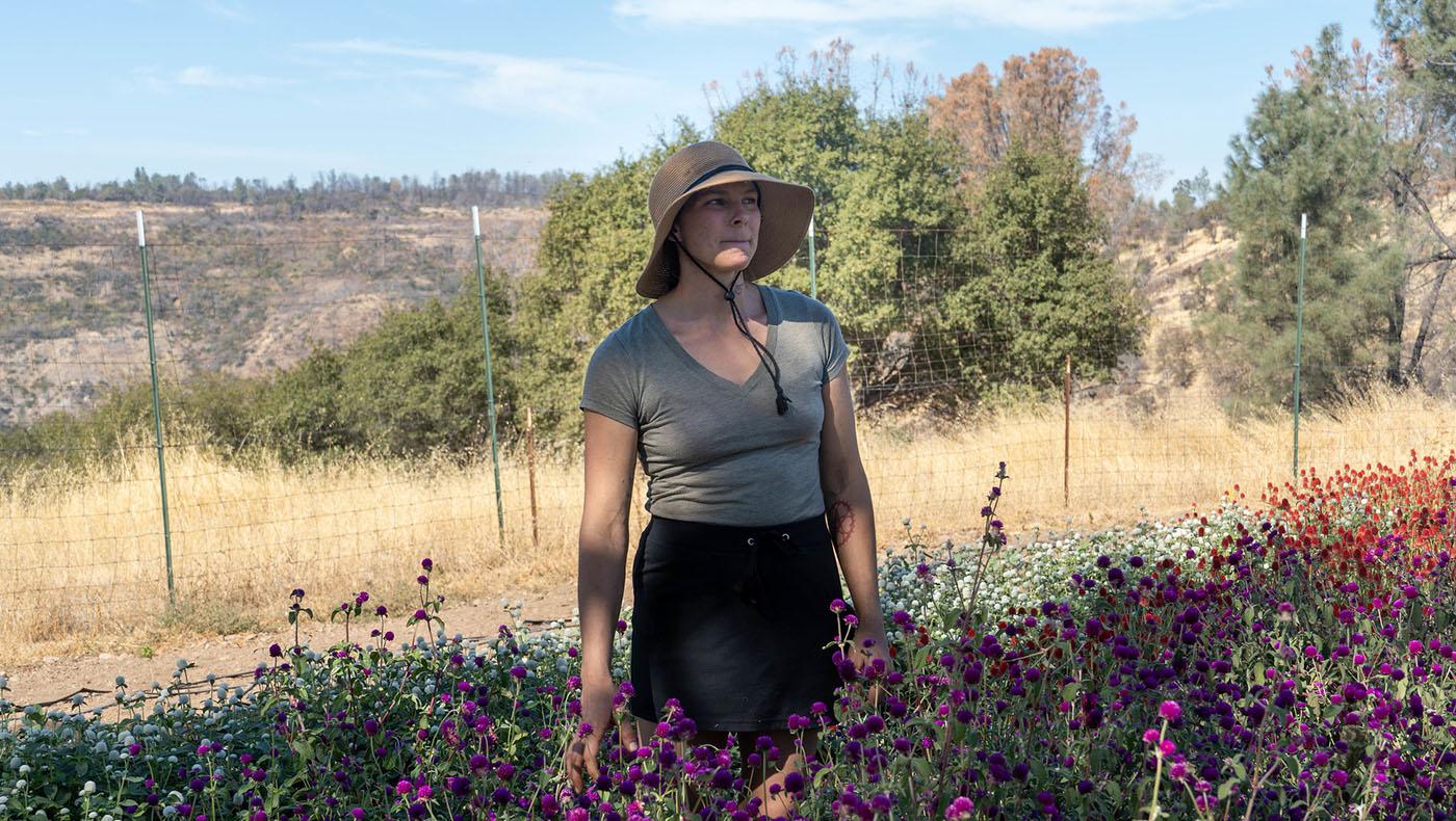 薩曼莎·桑格里利(Samantha Zangrilli)種植不同種類的花卉,並自製精油銷售。攝影 / 曾奐珣
