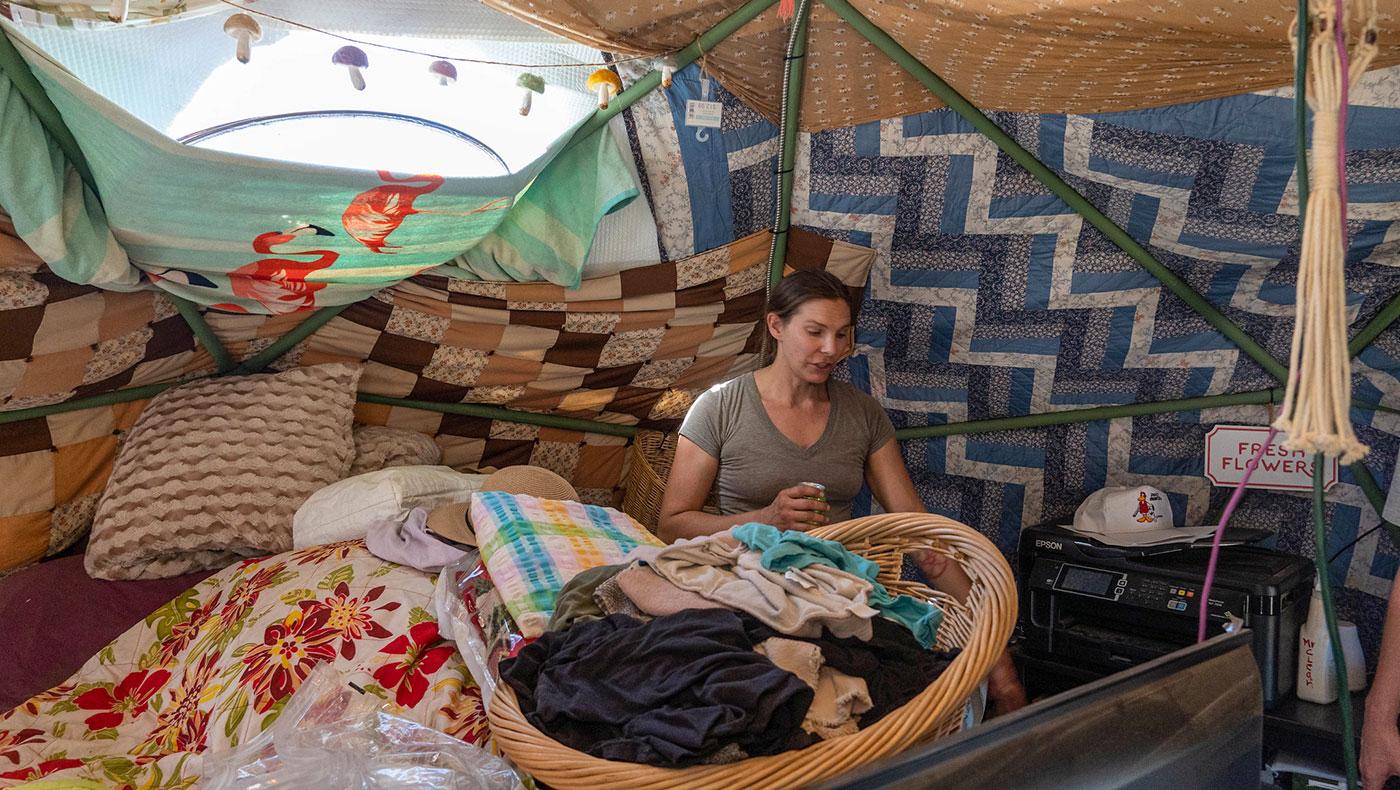TzuChiUSA-camp-survivor-finally-came-home-01292021-6