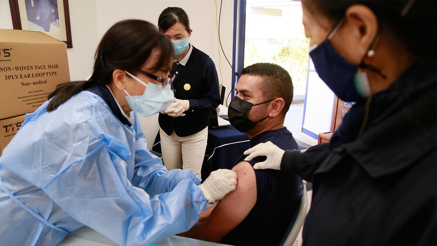 TzuchiUSA-hq-vaccine_0018_20210318愛滿地醫療中心疫苗注射夾_ 駱淑麗_MG_1947
