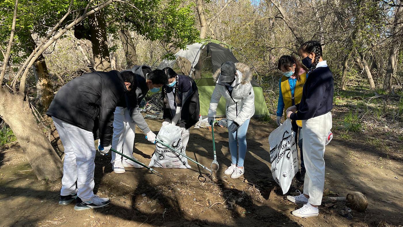 TzuchiUSA-Sacramento-clean-up-river_0000_51003750205_986bd5a145_k