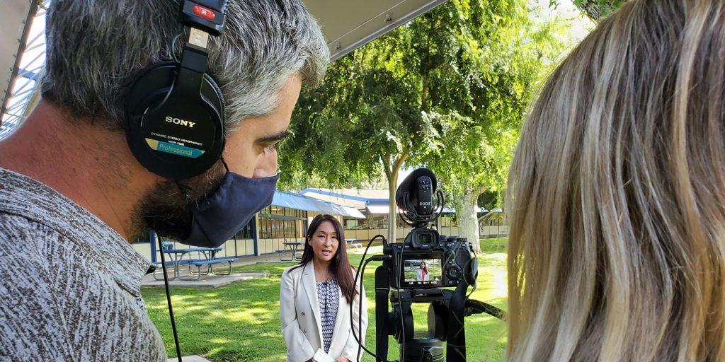 5月27日第三站,攝影團隊趕往慈濟推廣品格教育課程的艾克斯丹小學(Ekstrand Elementary School),為校長、老師錄製給慈濟教育志業的祝福語,也募心募愛。攝影/黃旭睦
