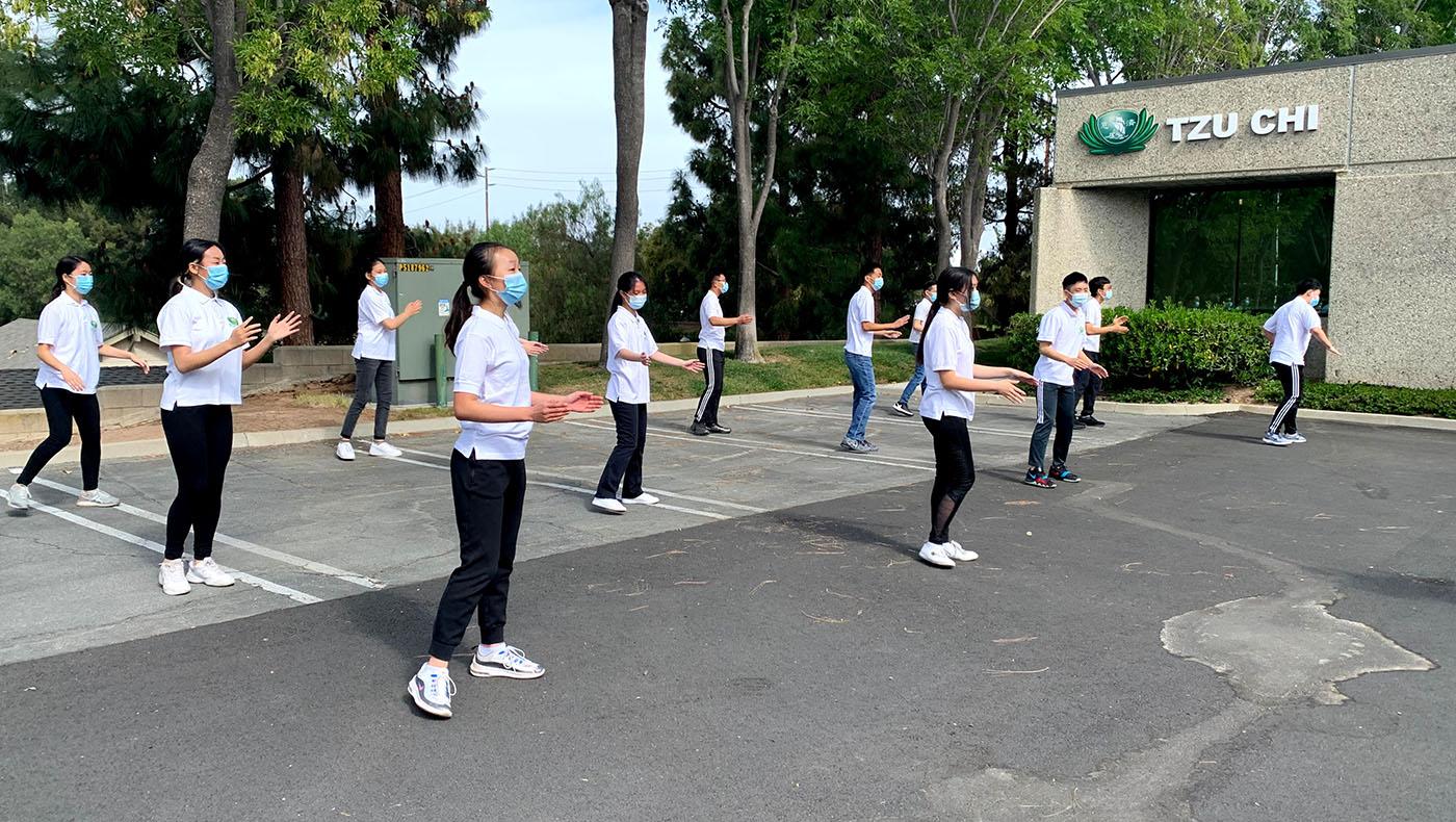 學生們為結業典禮獻上節目。攝影/蘇慧情