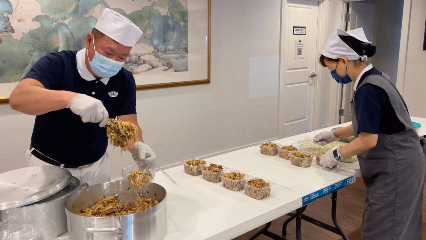 TzuchiUSA-seattle-veggie-fundraising-5