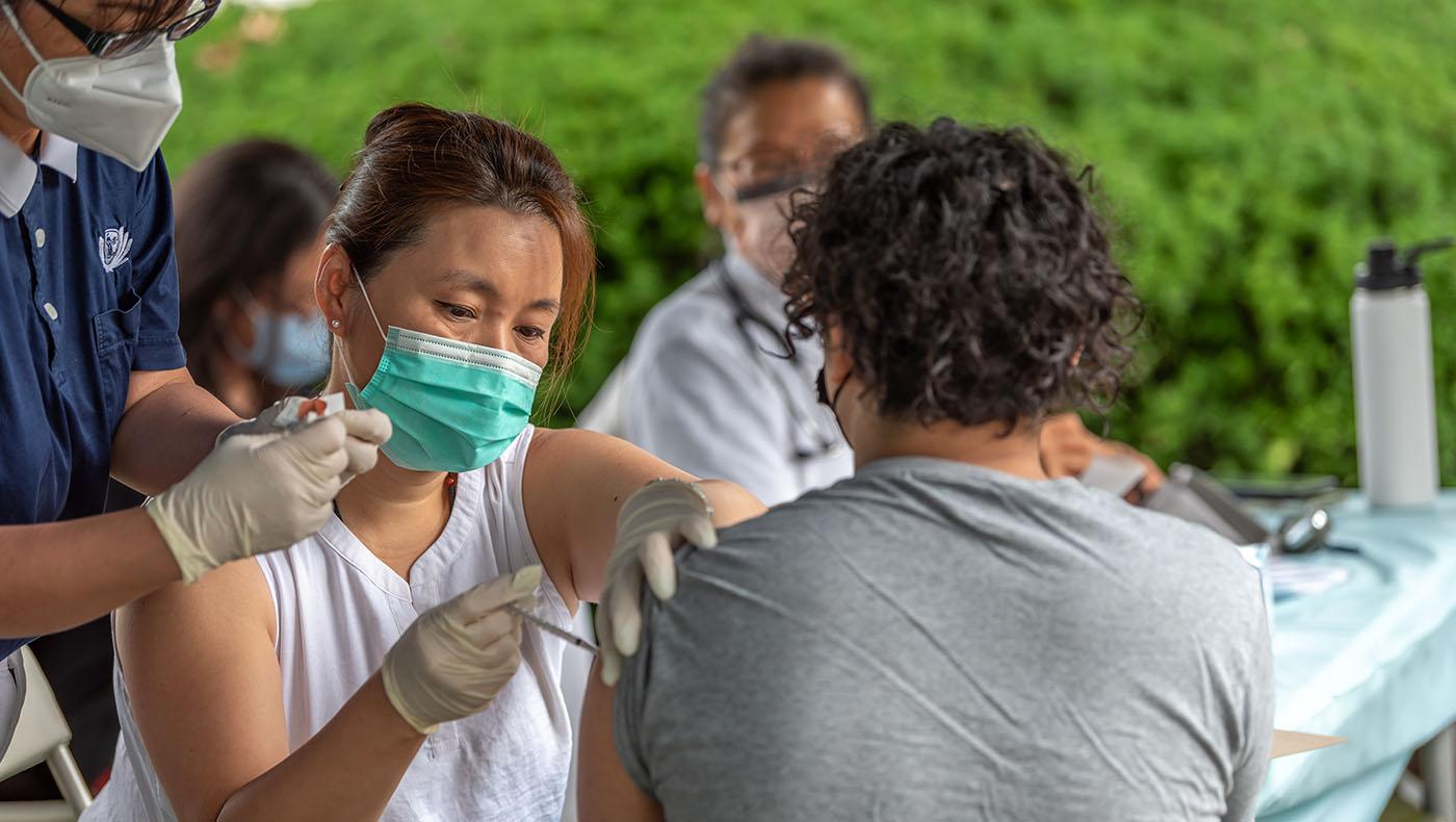 TzuchiUSA-LI-medical-outreach_0005_pic 8.jpg_黃懷賢
