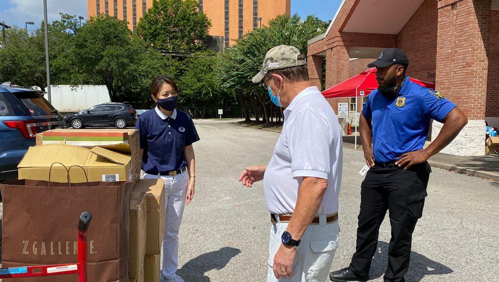 TzuchiUSA-Houston-Hurricane Ida Donation to Red Cross_0002_20210901 Blanket & Mask Donation to Red Cross IMG_8746