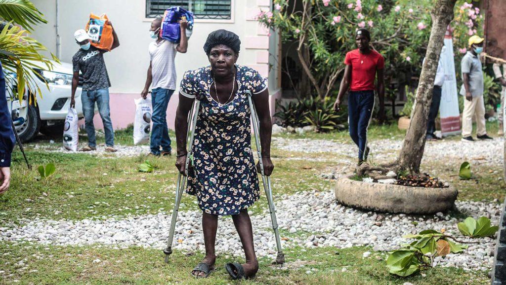 TzuChiUSA-20210910-Haiti-relief-distribution-2
