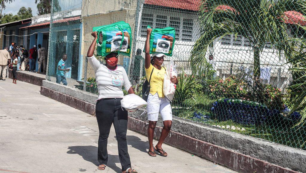 TzuchiUSA-haiti_0012_IMG_636620210911_Haiti_Don bosco_Rice Distribution&Kits_K.J