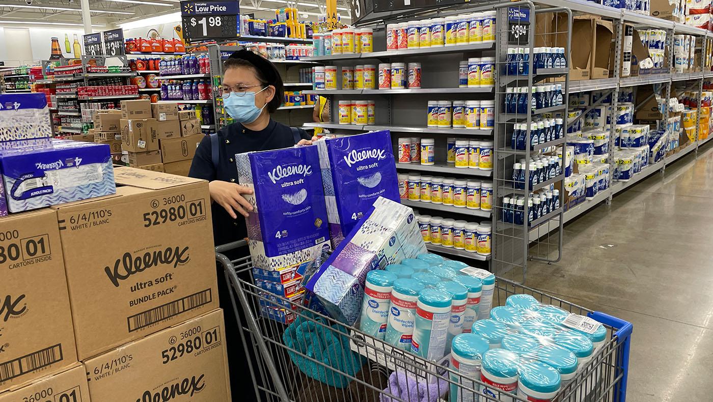 TzuchiUSA-Support for Tulane University student evacuated to Houston_0001_IMG_1283