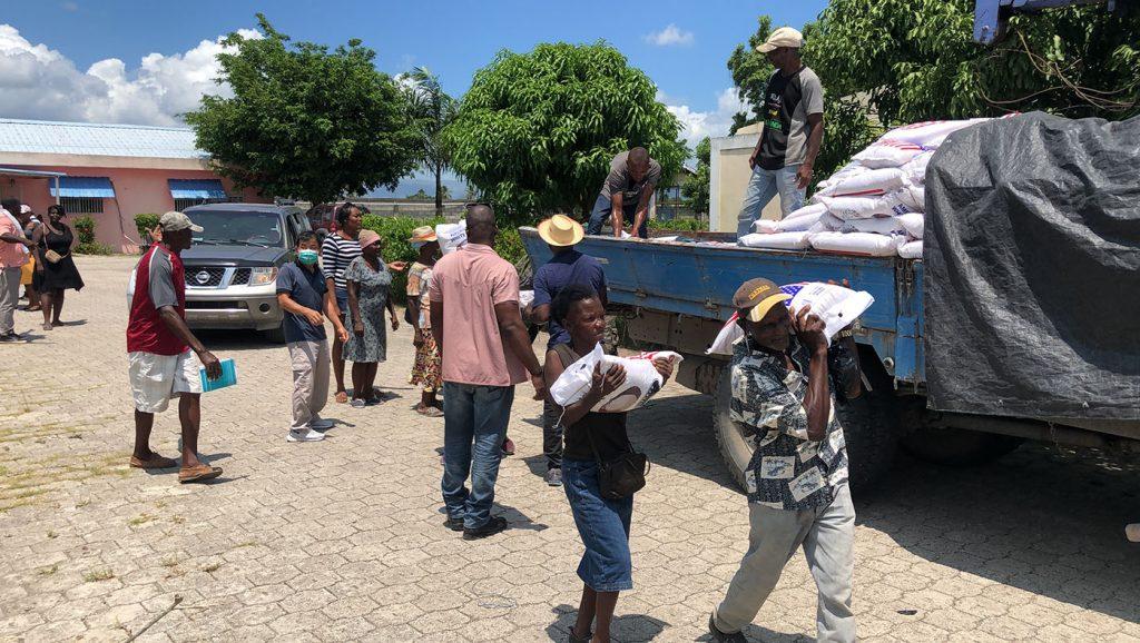 TzuchiUSA-haiti-0915_0003_20210915_Haiti_4th distribution_Agricultural Technology Corps (35)