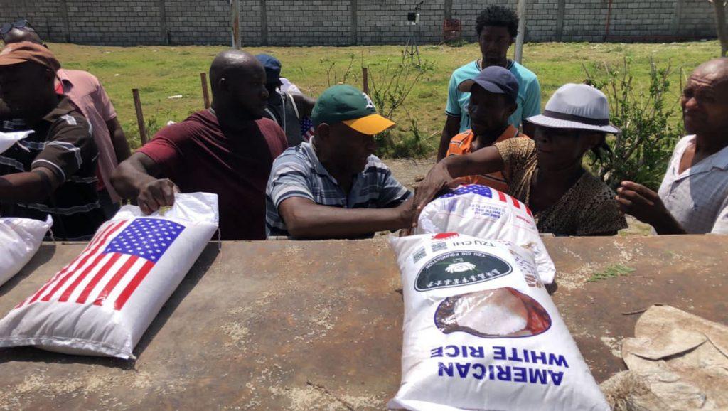 TzuchiUSA-haiti-0915_0002_20210915_Haiti_Agricultural Technology Corps distribution (5)