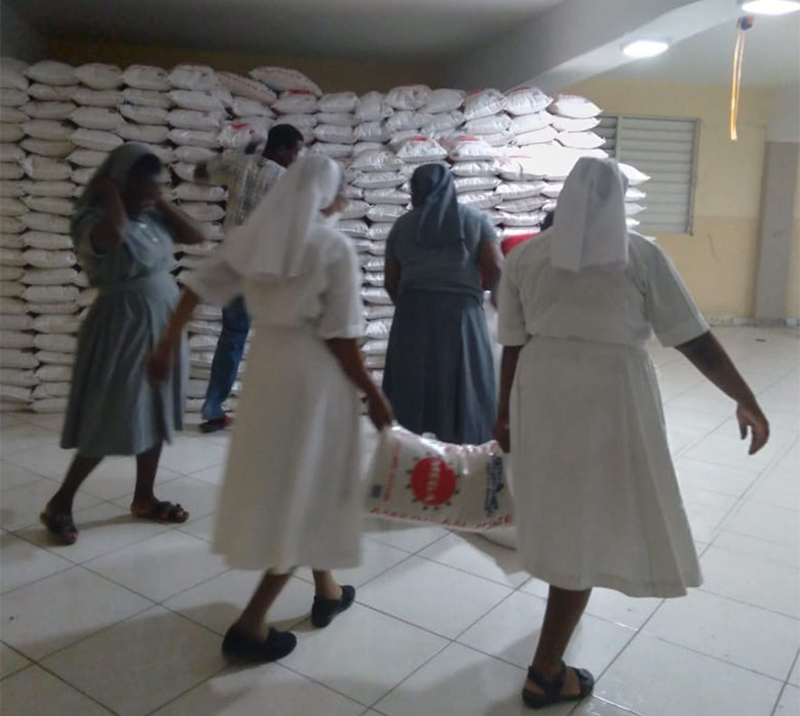 TzuchiUSA-_0002_20210908_Haiti Food Distribution with Sœurs Salésiennes_LINE (9)