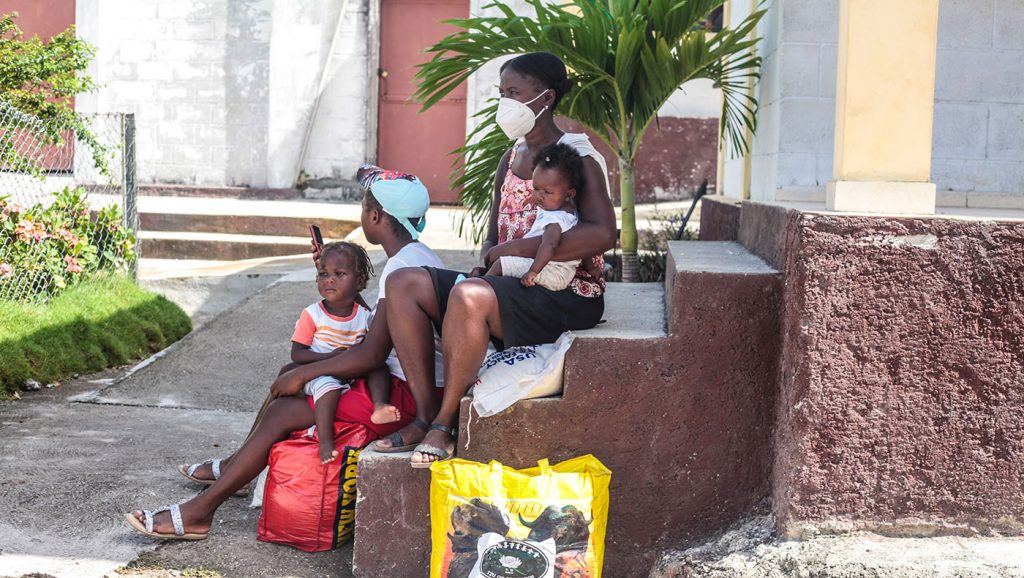 TzuchiUSA-_0022_IMG_636520210911_Haiti_Don bosco_Rice Distribution&Kits_K.J