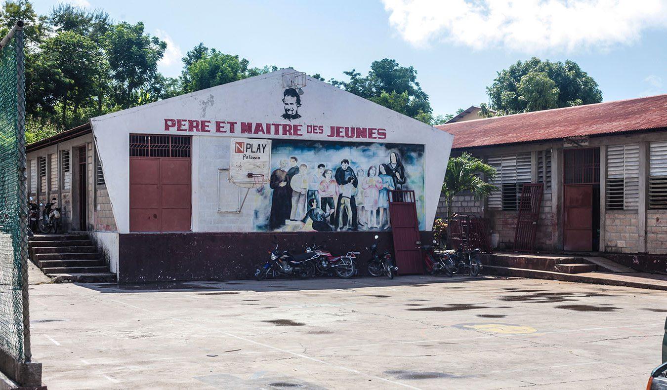 TzuchiUSA-haiti-_0010_IMG_53322021090ㄞ_Haiti_hotmeal at Don bosco_ Visit in Dammage area_K.j