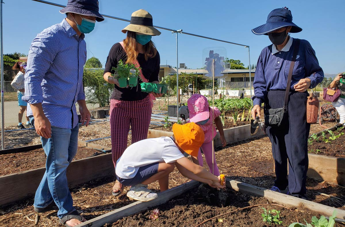 education-fundraiser-why-life-sience-garden-3