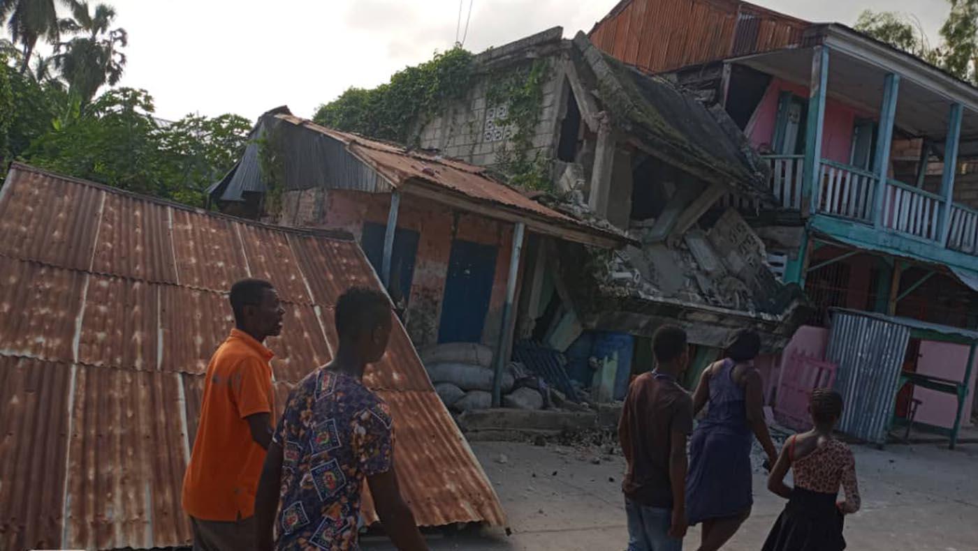 2-s1-4-TCC-Tzu Chi Haiti Earthquake Response Team Gears Up Aid Distributions